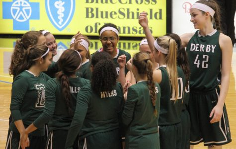 Girls basketball beat Bishop Carroll in AVCTL v GWAL tournament [PHOTO GALLERY]
