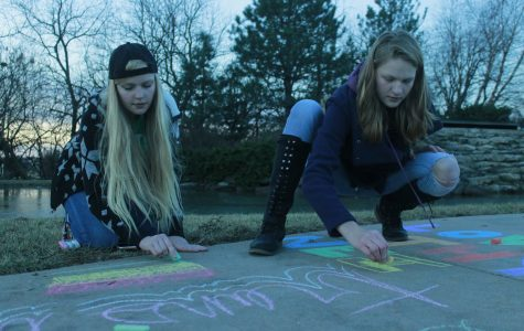 Derby students leave encouraging messages at protest site [+photo gallery]