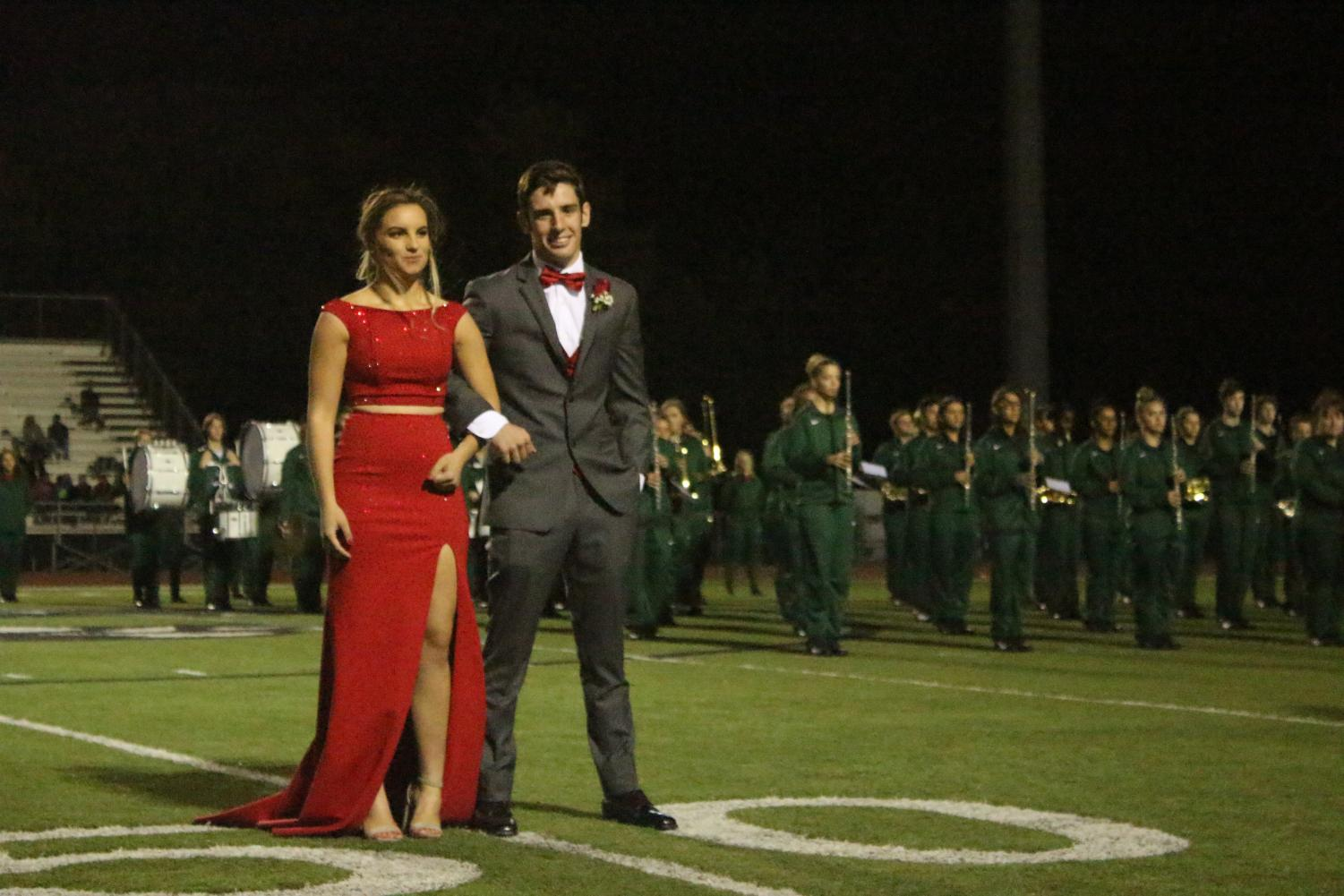 Homecoming+queen+and+king+Harli+Lowmaster+and+Cooper+Ross.