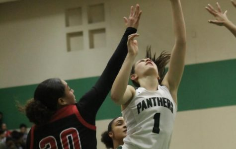 1/10 girls basketball vs. Heights photo gallery by Grace Reich