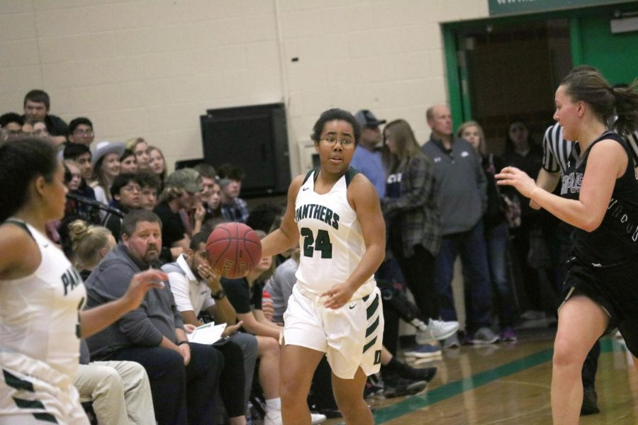 DHS Uniform Review: Girls Basketball (Home)