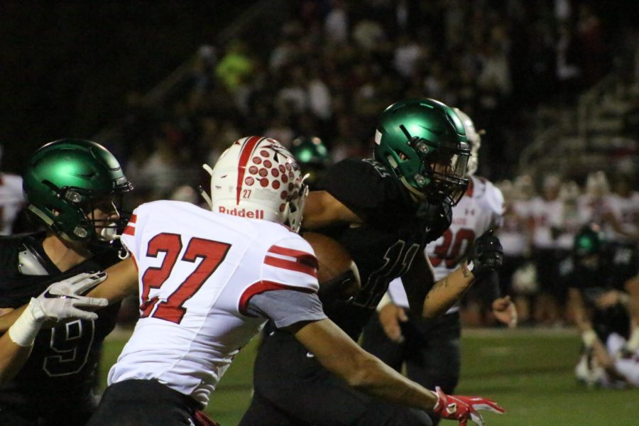 Derby+football+earns+top+seed+in+Class+6A+with+48-point+win+over+Maize