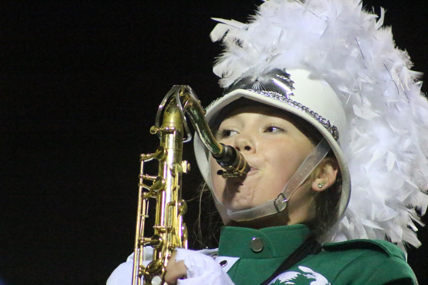 A+saxophone+player+performs+during+halftime