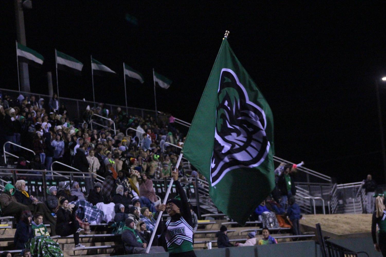 Nataya+Osborne+waves+our+flag+proudly