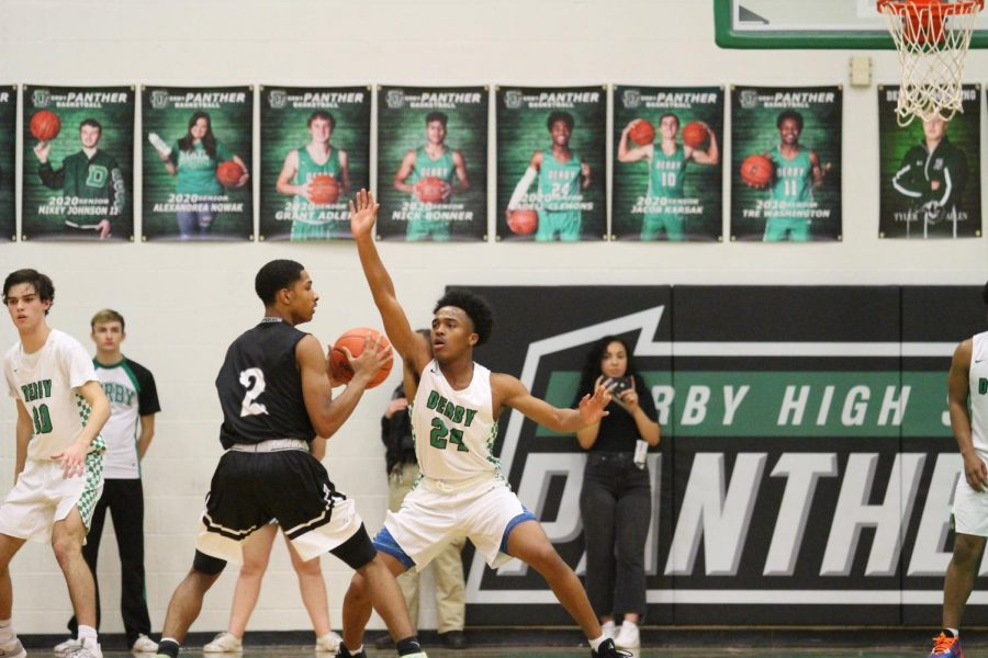 Varsity+Boys+Basketball+v.+Campus+2%2F21+%28Photos+by+Kiley+Hale%29