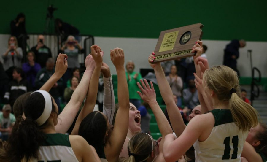 Derby vs Dodge City girls basketball (photos by Reese Cowden)