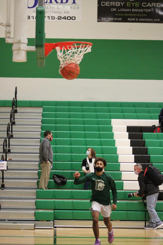 Varsity+Boys+Basketball+vs+Maize+%28Photos+by+Josie+Nussbaum%29