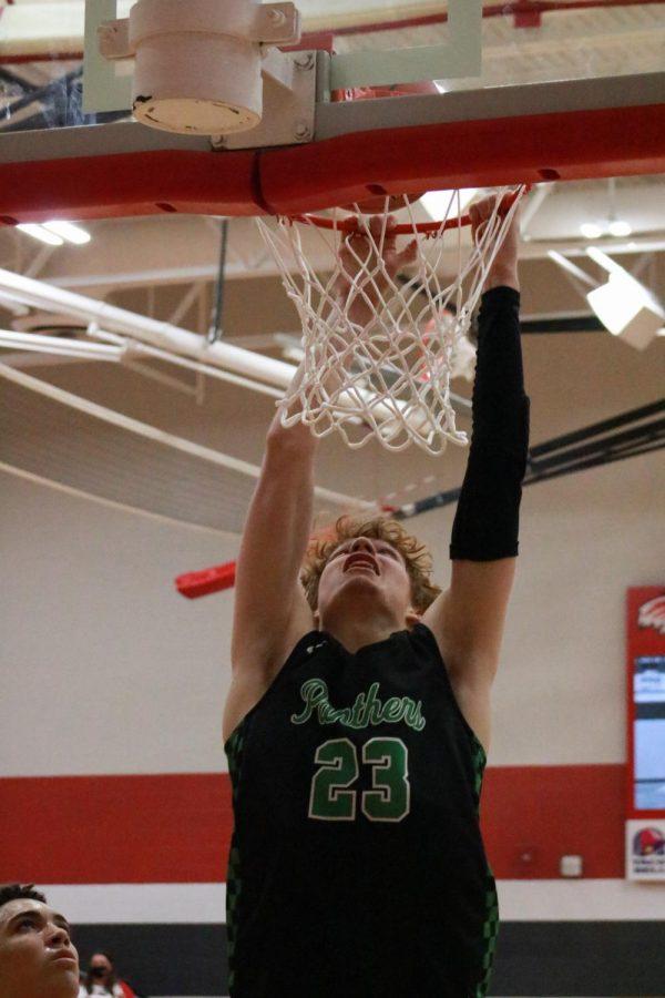 Varsity Basketball at Maize (photos by Hailey Jeffery)
