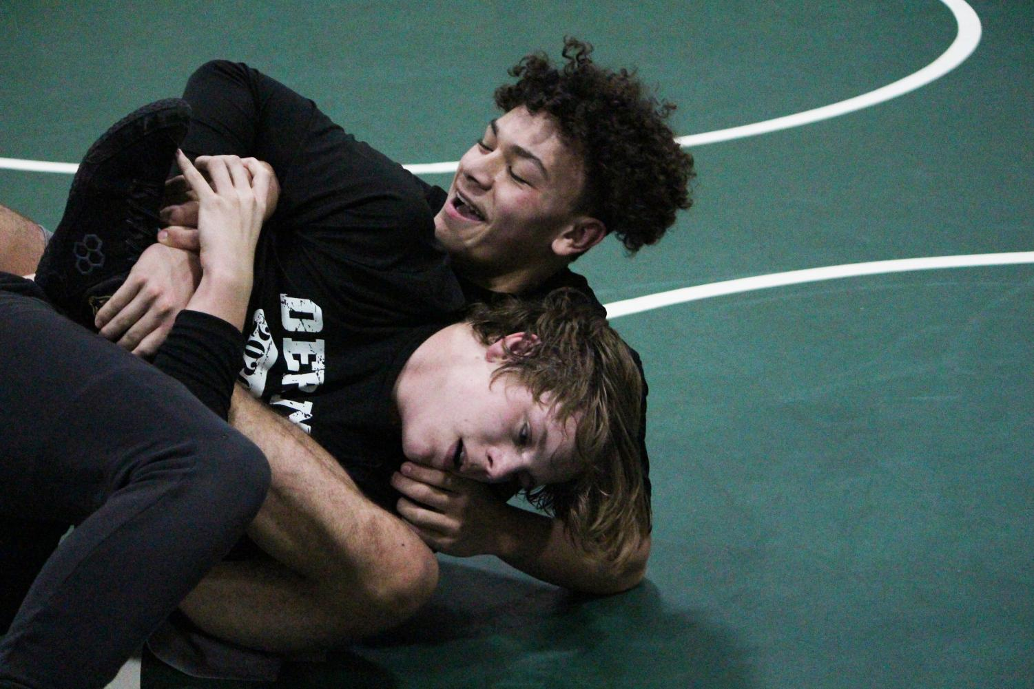 Wrestling+Practice+%28Photos+by+Talia+Ransom%29