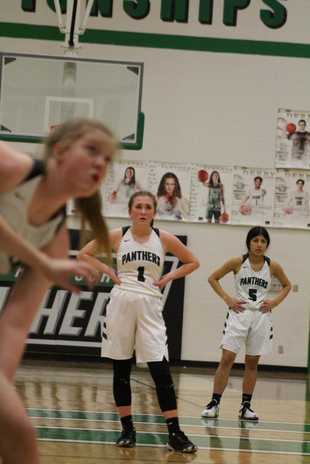 Freshmen+Basketball+Girls+Derby+Vs.+Campus+%28Photos+By+Alondra+Lopez%29