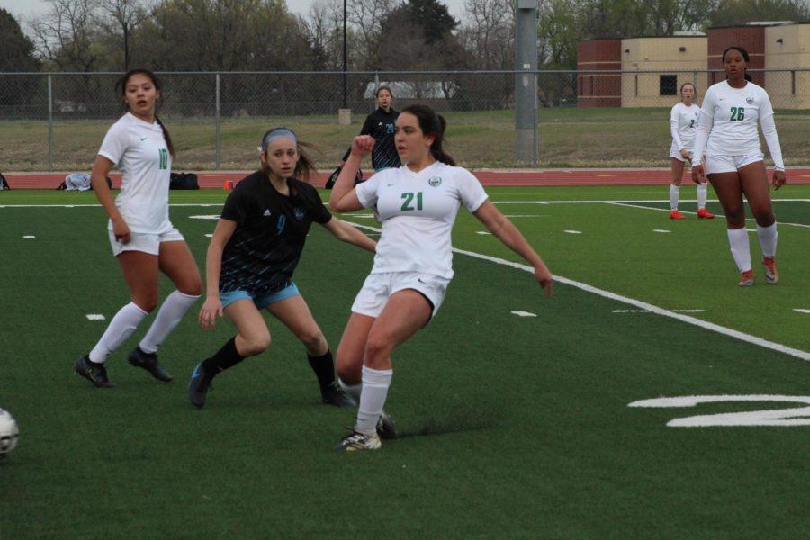 Varsity and JV soccer girls against Eisenhower (Photos by Alondra Lopez)