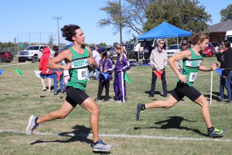 Cross country competes at League (Photos by Vy Nguyen)