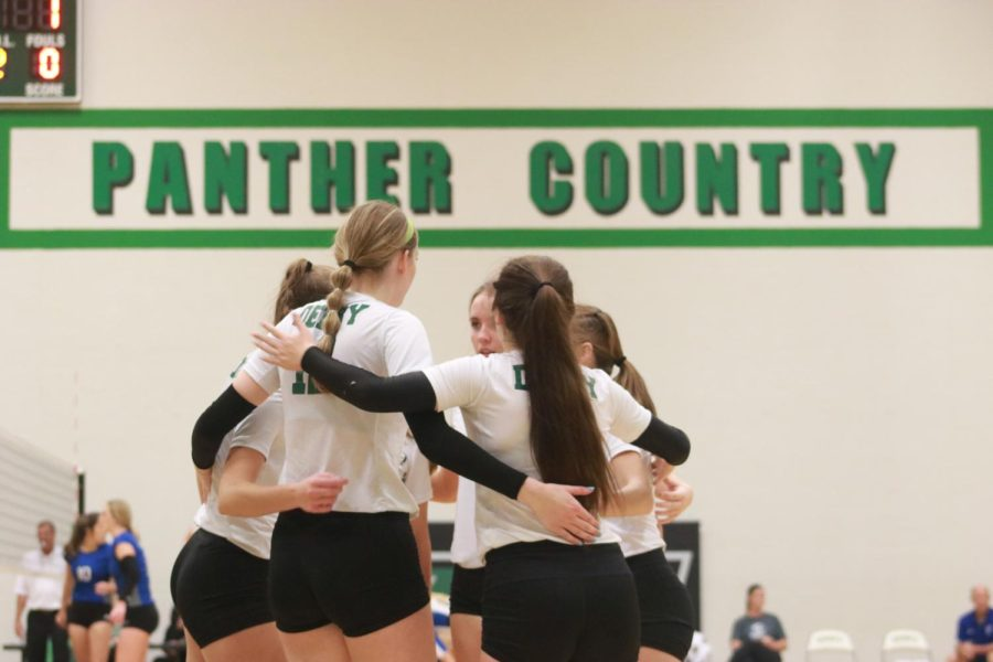 Varsity Volleyball v. Wichita South and Wichita East (Photos by Kaidence Williams)